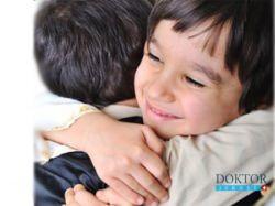 Израиль: Сложная операция вернула 14-летним близнецам человеческий облик