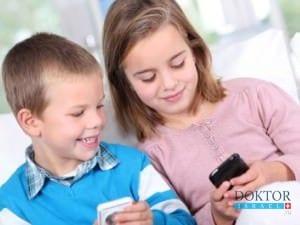 Данные клиники Рамбам: смартфоны и айподы опасны для детей
