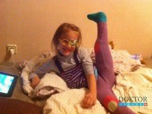 Врач клиники Рамбам ставит на ноги девочку из России – обзор израильского ТВ
